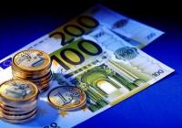 На пятничных торгах евро с утра превысил отметку в 63 рубля