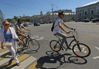 На Бульварном кольце в Москве открыли 9-километровую велополосу