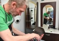 В столице открылась первая парикмахерская для бездомных