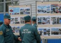 По Смоленску курсирует передвижная выставка спасателей