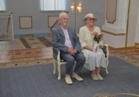 В Смоленске «молодоженов» поздравили с «бриллиантовой» свадьбой