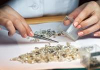 Смоленский «Кристалл» хотят объединить с алмазодобывающей компанией