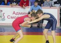 В Смоленске стартовал чемпионат по вольной борьбе