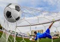 Валерий Соляник забил эффектный гол в ворота белорусских футболистов