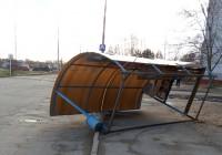 В Смоленске остановку унесло ветром