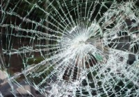 Неизвестные расстреляли троллейбус в Смоленске
