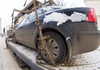 Автомобили, которые мешают уборке центральных улиц Смоленска, эвакуируют