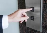 В Смоленской области отремонтируют и заменят более 600 лифтов