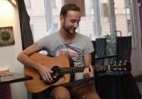 Как музыкант-самоучка из Вязьмы покорил Санкт-Петербург