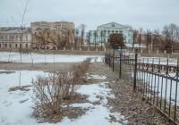 «Зеленстрой» начал облагораживать скверы в Смоленске