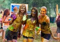 Дожди отменили Фестиваль красок Холи в Смоленске