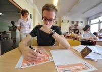 Сегодня более 700 тысяч школьников по всей России сдают ЕГЭ по русскому языку