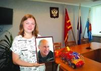 Владимир Путин прислал жительнице Десногорска портрет с автографом