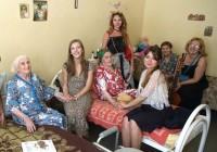 Лиза Арзамасова и Родион Газманов побывали в вяземском доме престарелых