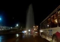 Фонтан холодной воды «украсил» Витебское шоссе в Смоленске