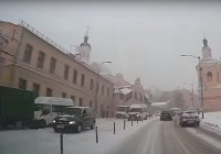 Автолюбитель поделился кадрами вчерашнего снегопада