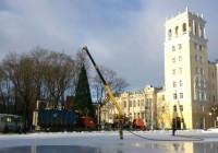 В Смоленске устанавливают главную ёлку