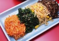 С улицы Нахимова в Смоленске уберут ларьки с корейской едой и свежим мясом