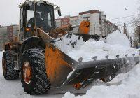 Коммунальщики Смоленска борются с последствиями снежного шторма «Елена»