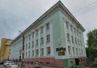 На голову прохожим на улице Джержинского в Смоленске может упасть лепнина