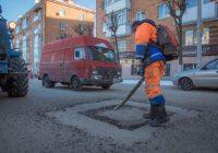Ямочный ремонт идет на шести улицах Смоленска
