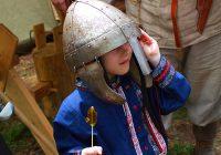 В Гнёздове прошел фестиваль фольклора и ремёсел «Славянское братство»