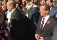 Дмитрий Медведев пообщался и сфотографировался со смолянами