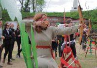 Благородные потомки Робин Гуда сразились в Смоленске