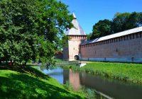 Смоленск — самый популярный у туристов город для поездок на летние выходные