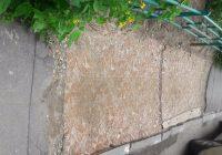 Креативу — нет предела: смоляне спрятали тротуар под ковром