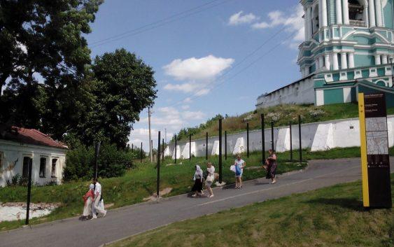 Успенский собор огородят забором?
