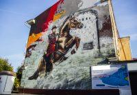 В Смоленске граффити с изображением воеводы Шеина теперь рекламирует кроссовки