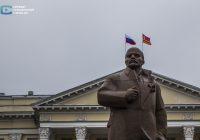 На здании областной администрации в Смоленске вывесили ещё один флаг