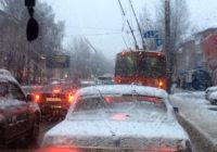 Снегопад в Смоленске спровоцировал утренние пробки