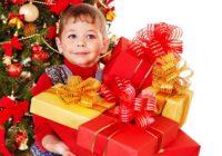 Дети, осиротевшие из-за пожара в Вязьме, получили новогодние подарки от следователей