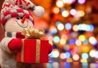 Названы самые популярные новогодние подарки, которые готовят россияне