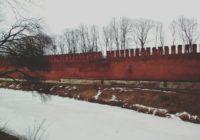Продолжает обрушаться смоленская крепостная стена