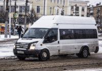 В Смоленске водители маршруток спасли женщину с ребёнком из горящего авто