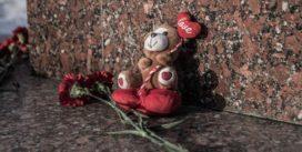 В Смоленске прошла траурная акция в память о погибших в Кемерове