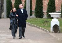 Губернатор Островский прогулялся по саду губернатора Лопатина