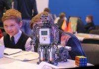 В Смоленске появился робот-уборщик, погрузчик и даже космический робот-камикадзе