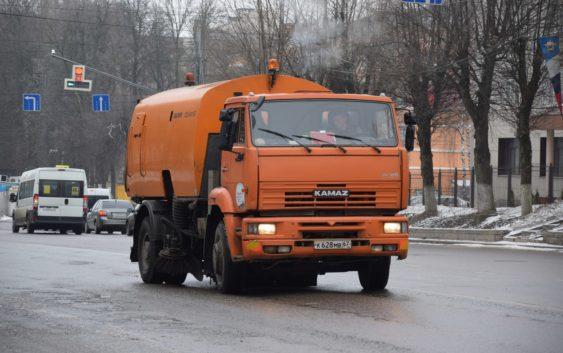 Мэрия Новосибирска получила 20 огромных машин-пылесосов для уборки улиц