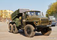 Парадная колонна техники в Смоленске снова попала на видео