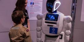 В Смоленске открылась выставка с говорящими роботами. Пообщаемся?