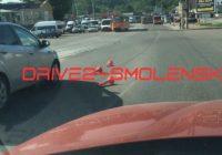 На Пятницком путепроводе автомобиль снёс ограничительные столбики