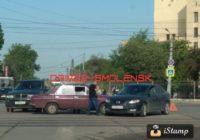 Авария на улице Кашена парализовала движение