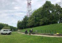 Земляной вал возле Громовой башни обнесли забором