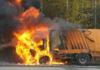 В Смоленском районе на ходу сгорел мусоровоз