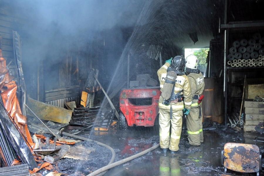 Пожар в ангаре на 11 июля