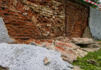В Смоленске под слоем обвалившейся штукатурки обнаружились арки, созданные легендарным архитектором